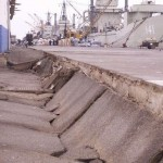 The fill behind a sea wall settled about 1 m at the Terminal Marítimo General San Martín.